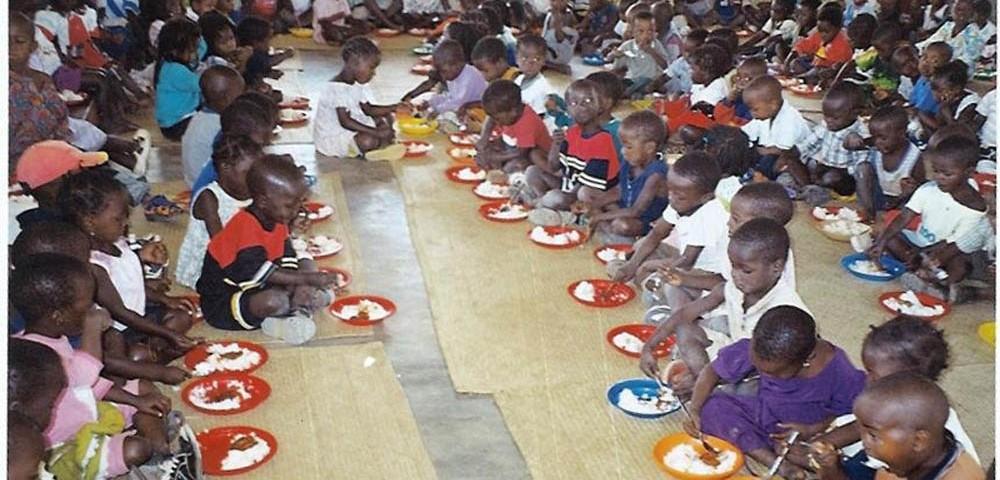 mensa per bambini di strada 1 1000x480 1 - Mozambicomensa per bambini di strada 1 1000x480 1 - Mozambico - -