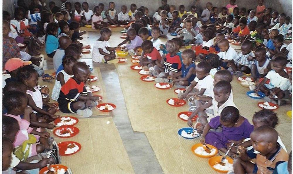 mensa per bambini di strada - Mozambicomensa per bambini di strada - Mozambico - -