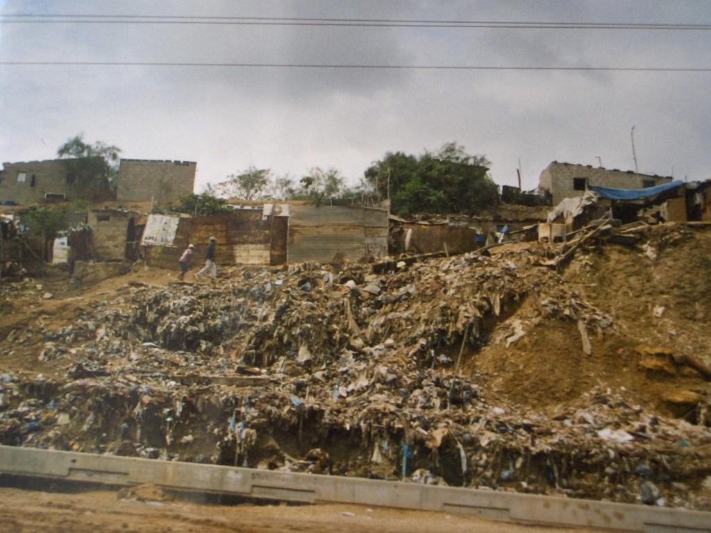 per le vie di Luanda la capitale.jpg 002 1024x768 1 - Angolaper le vie di Luanda la capitale.jpg 002 1024x768 1 - Angola - -