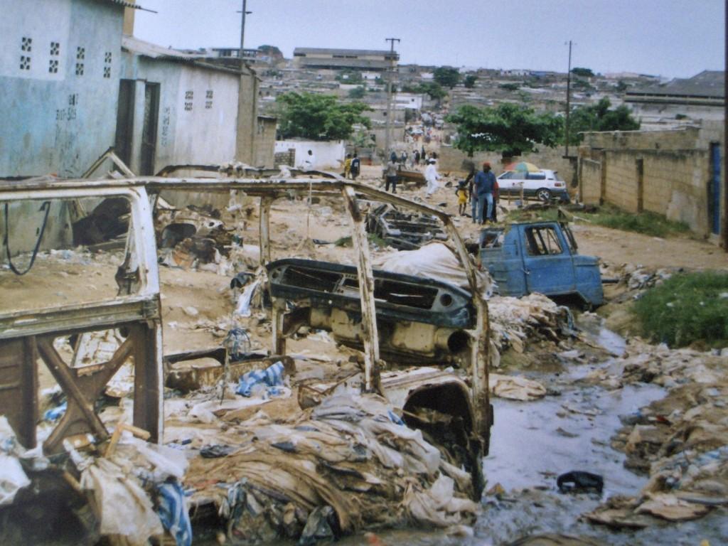 per le vie di Luanda la capitale.jpg 003 1024x768 1 - Angolaper le vie di Luanda la capitale.jpg 003 1024x768 1 - Angola - -