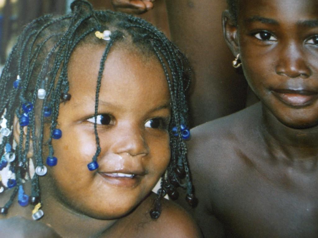 volti e sorrisi angolani 1024x768 1 - Angolavolti e sorrisi angolani 1024x768 1 - Angola - -